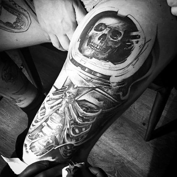 Thigh Mens Tattoos Of Skeleton In Astronaut Suit