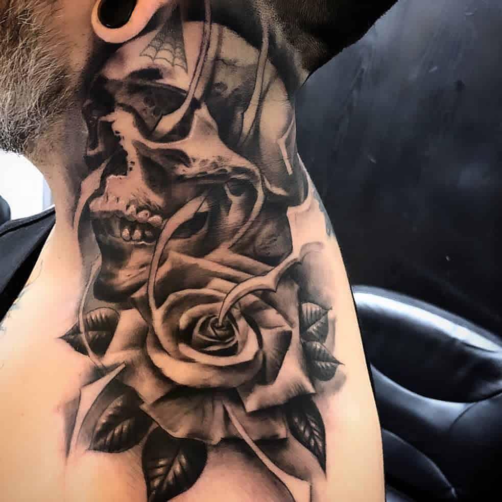 tinta-skull-and-rose-tattoo