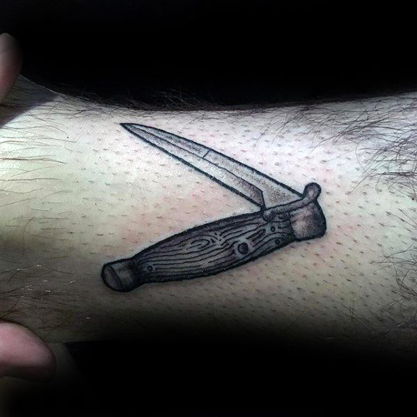 Tiny Leg Switchblade Male Tattoo Ideas