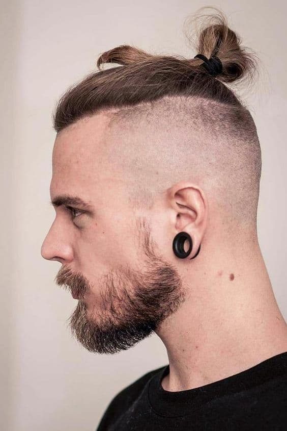 Top Know Fade Haircut with Earring