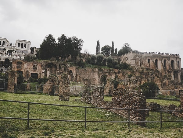 Tour Roman Forum In Italy