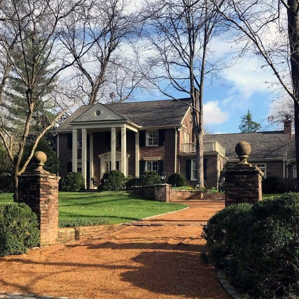 Traditional Home Gravel Driveway Ideas