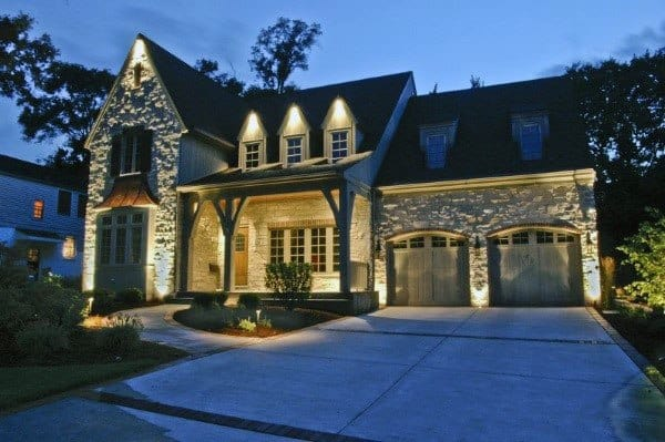 Traditional House Outdoor Garage Lights