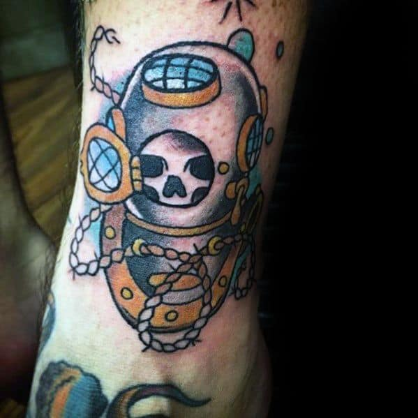 Traditional Old School Leg Skull In Diving Helmet Male Tattoo Designs