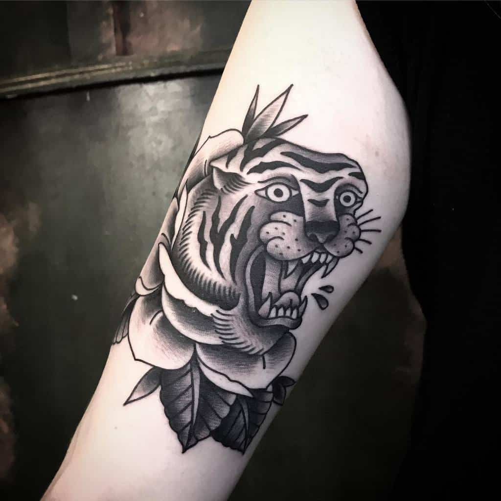 traditional tiger rose tattoos christofgiebe