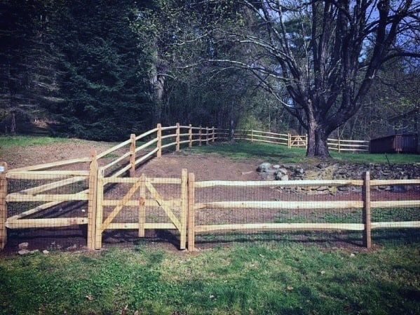 Traditional Wood Backyard Designs Dog Fence