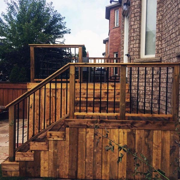 Traditional Wood Deck Railing With Metal Balusters