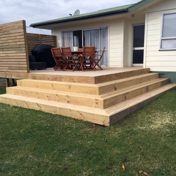 Traditional Wood Simple Corner Deck Steps Design Ideas