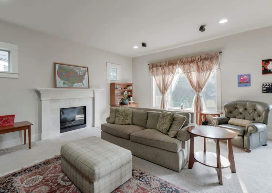 Transitional Family Room Ideas 19