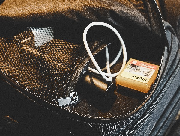Travel Bag Reviews Ogio Alpha Convy 522s Small Accessories Compartment