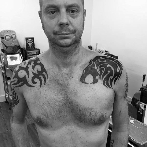 Tribal Lion Tattoos For Guys On Shoulders