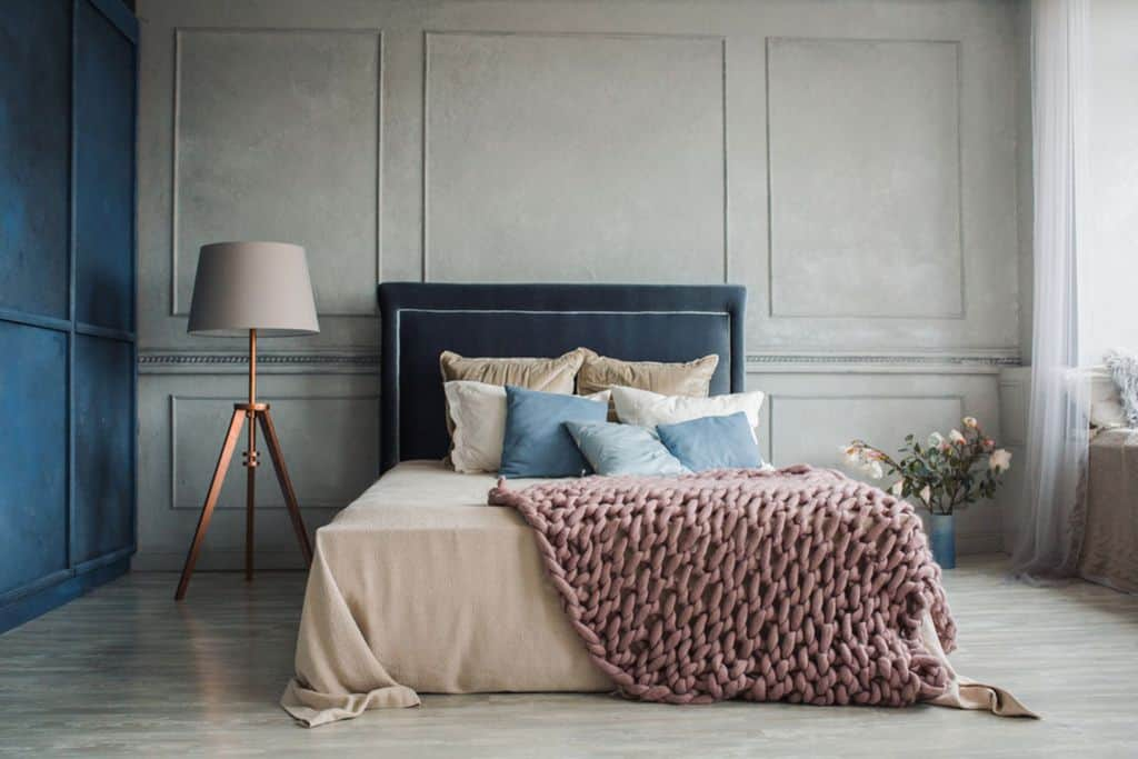 Two Tone Bedroom Paint Colors 3