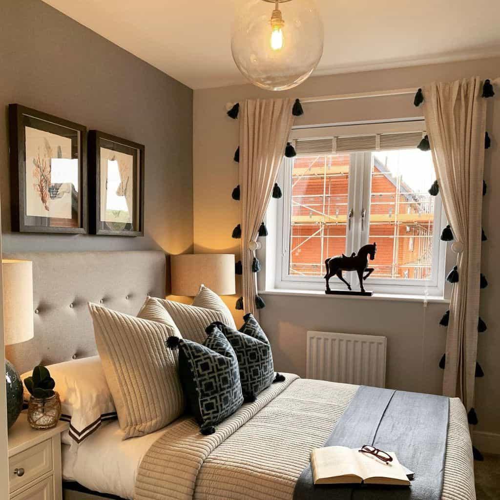 Two Tone Bedroom Paint Colors Phoenixinteriordesignuk