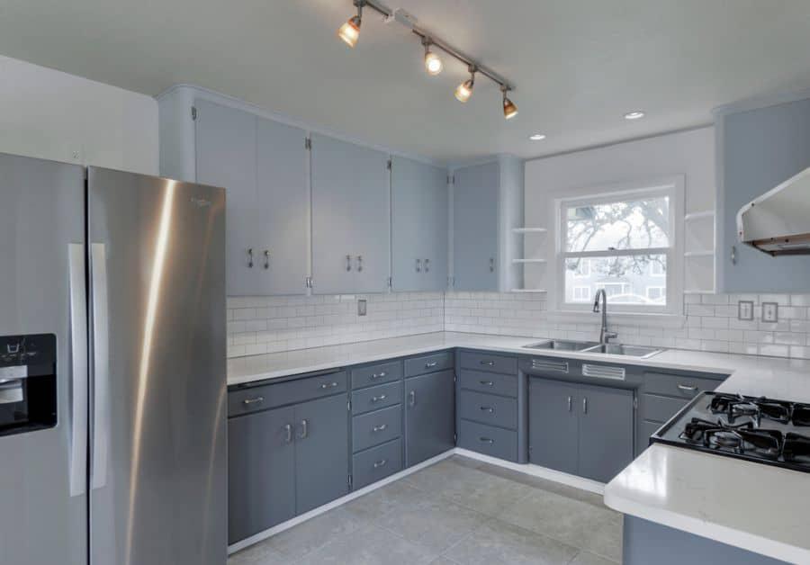 Two Tone Kitchen Paint Colors 1