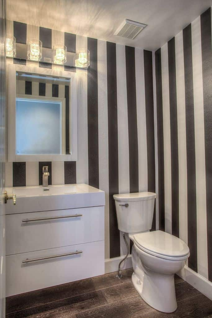 Two Tone Small Bathroom Paint Ideas 1