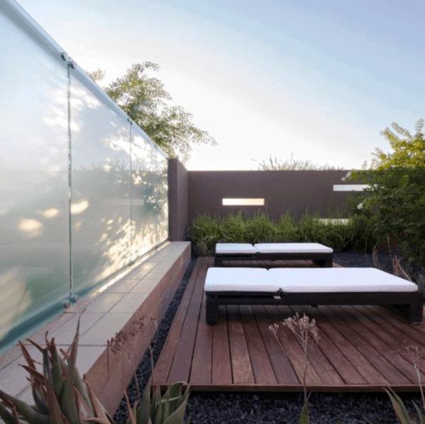 Uktra Modern Floating Deck
