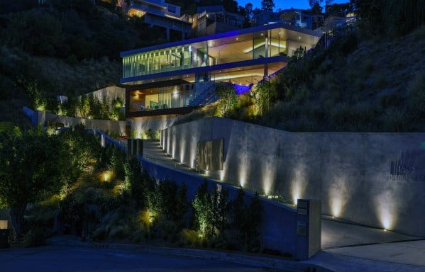 Ultra Modern Homes Driveway Lighting Design Ideas