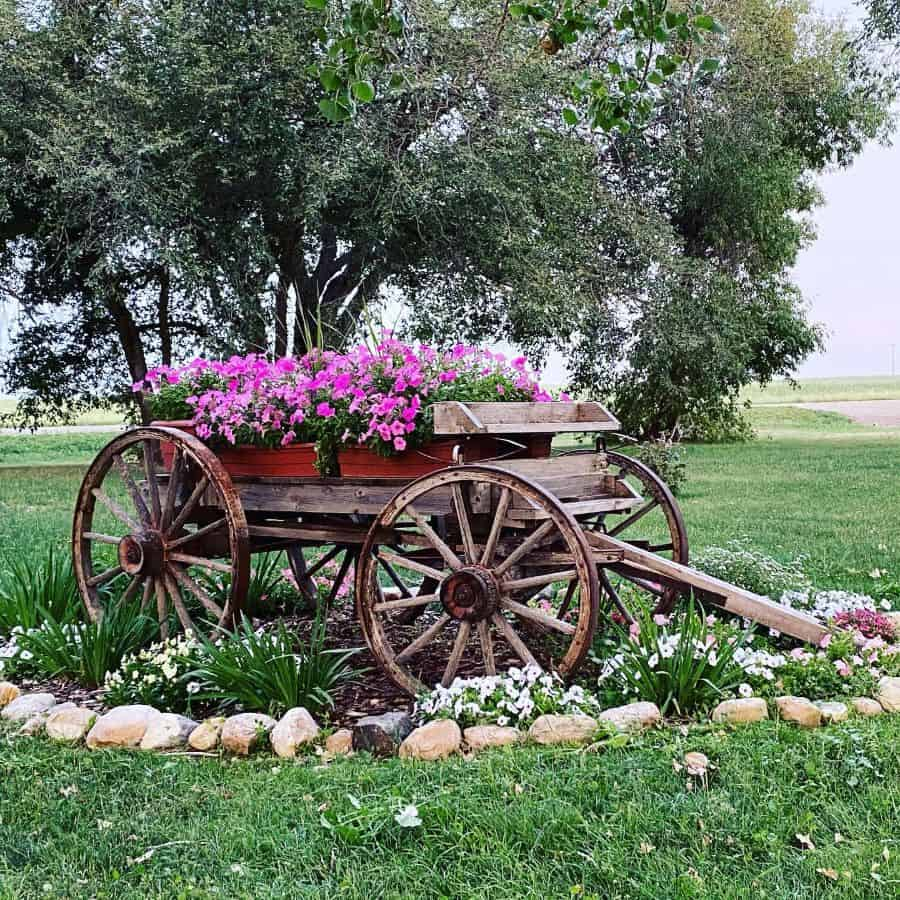 unique flower bed ideas ericanoga17