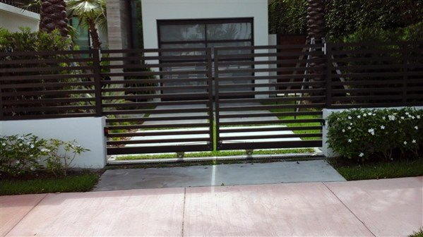 Unique Front Yard Fence Home Ideas