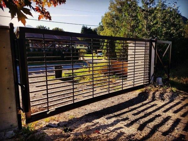 Unique Modern Metal Driveway Gate Ideas