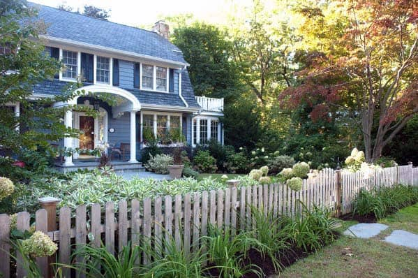 Unpainted Wood Picket Front Yard Fence Exterior Ideas