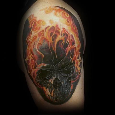Upper Arm Realistic 3d Male With Cool Flaming Skull Tattoo Design