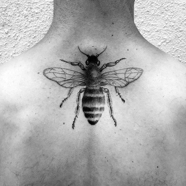 Upper Back Honeycomb Detailed Mens Tattoo Ideas