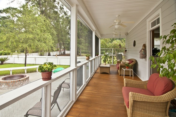 Upscale Veranda Screened In Porch