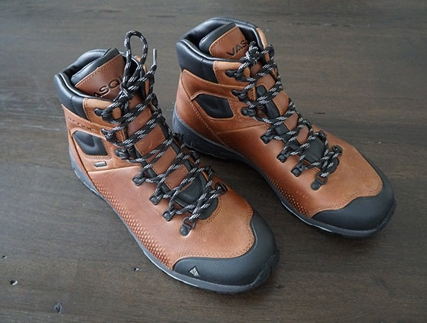 Vasque St Elias Full Grain Gore Tex Leather Mens Hiking Boots