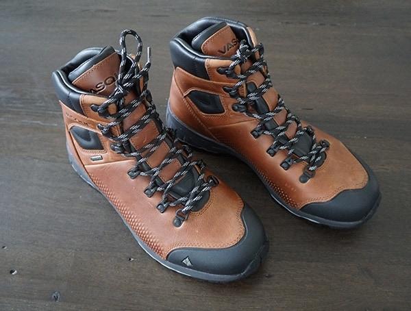 Vasque St Elias Full Grain Gore Tex Leather Mens Hiking Boots