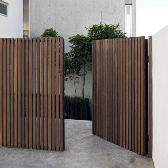 Vertical Slats Ideas For Wooden Gate