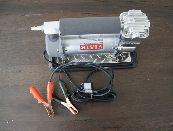 Viair 400p Automatic Compressor With Battery Clamps