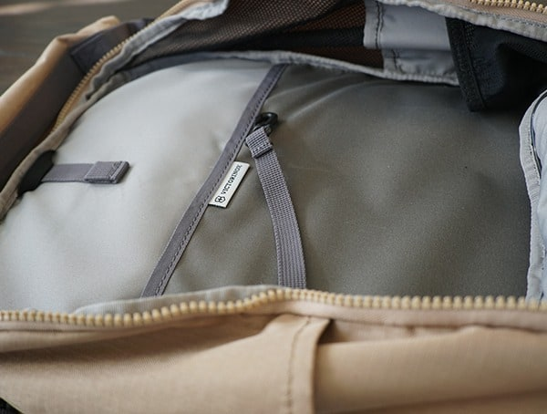 Victorinox Deluxe Rolltop Backpack Interior With Tether Hook