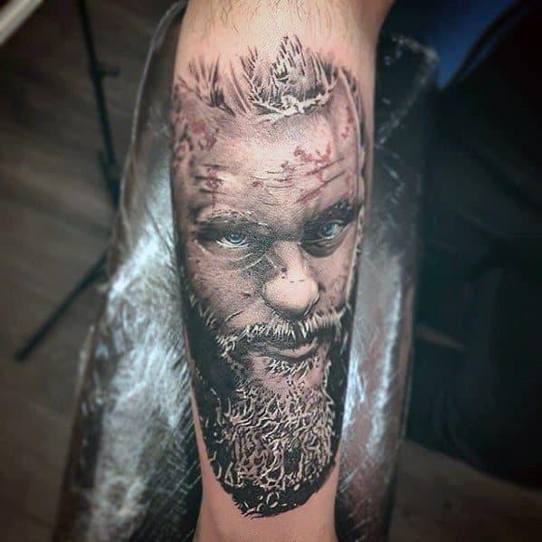 Vikings ragnar tattoo 60 ragnar lothbrok tattoo designs for Ragnar head tattoo stencil