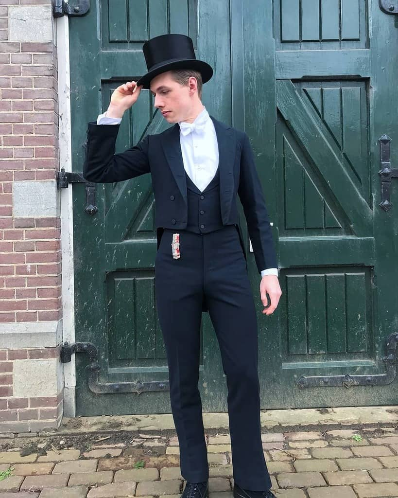 Vintage Clothing Victorian Style
