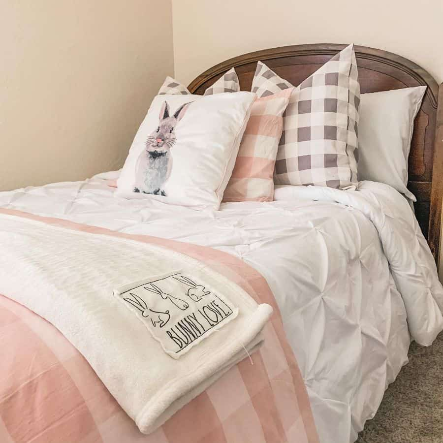 vintage farmhouse bedroom ideas haz_fam_