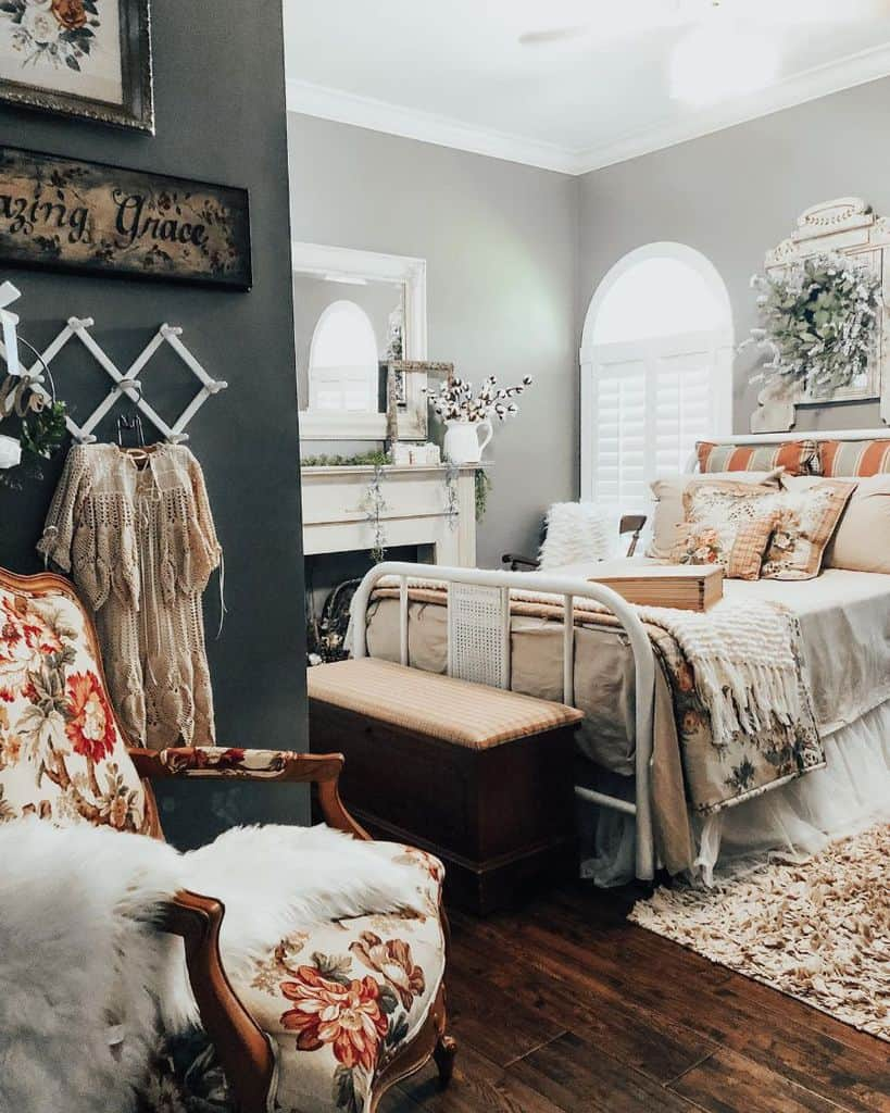 vintage farmhouse bedroom ideas lifeonbrushycreek