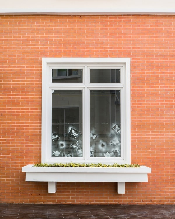 Vintage White Exterior Window Trim For Brick Homes