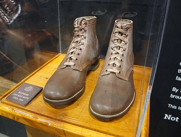 Vintage Wolverine Mens Leather Boots