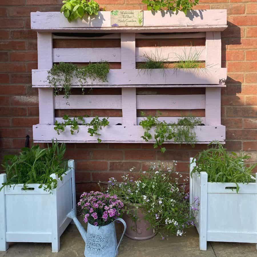 wall pallet garden ideas barn_owls_and_butterflies