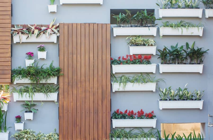 wall planter vertical garden ideas 3