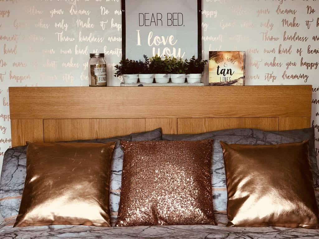 wallpaper with metallic prints and design bedroom wallpaper ideas