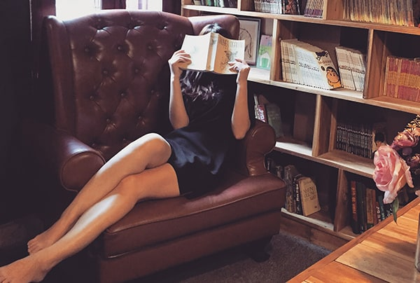 Where To Meet Women In Book Stores