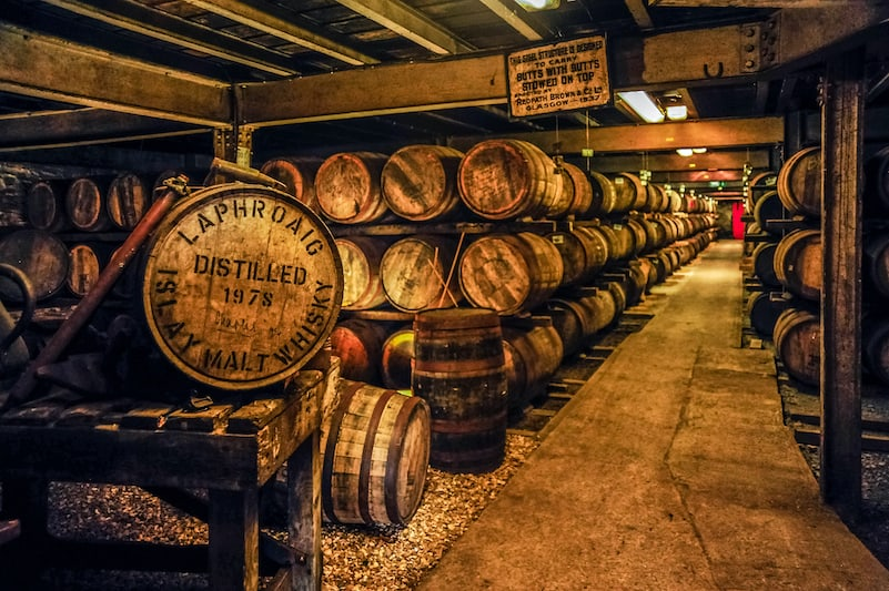 The 15 Best Whiskey Distilleries To Visit in America