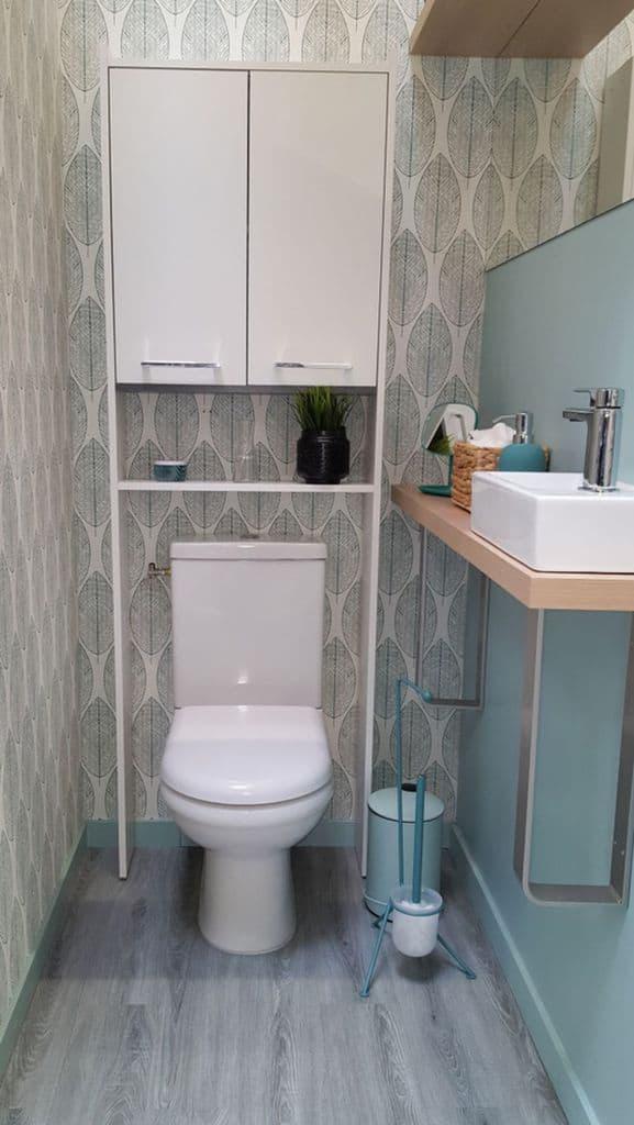 White Bathroom Wallpaper Ideas 1