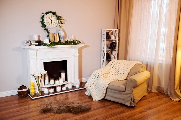 White Classic Interior Mantel Decor Ideas