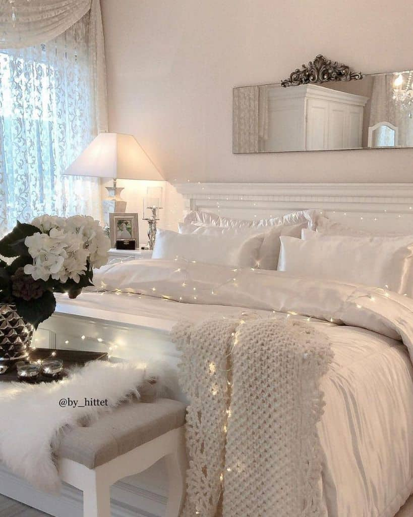 white cozy bedroom ideas by_hittet
