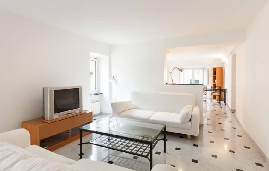 White Family Room Ideas 7