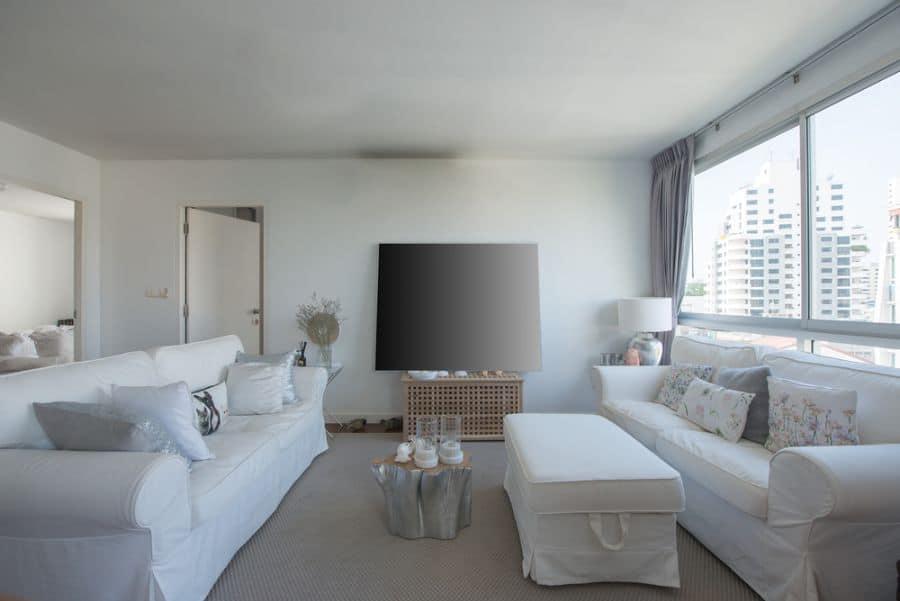 White Family Room Ideas 8