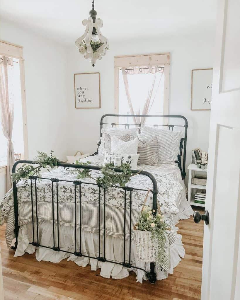 white farmhouse bedroom ideas thesassybarn